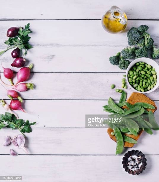 fresh vegetables - ajo fotografías e imágenes de stock