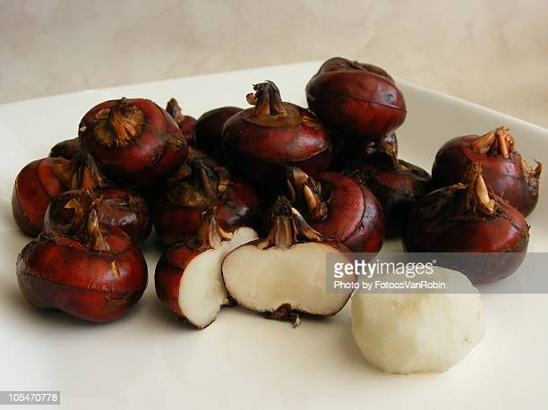 Fresh Water Chestnuts