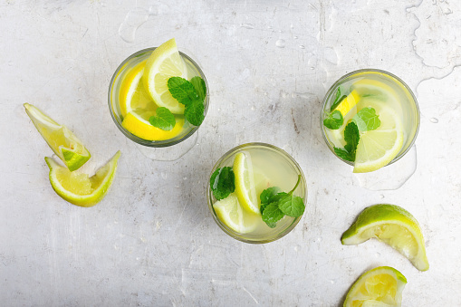 Freshly squeezed lemonade, messy kitchen situation - gettyimageskorea