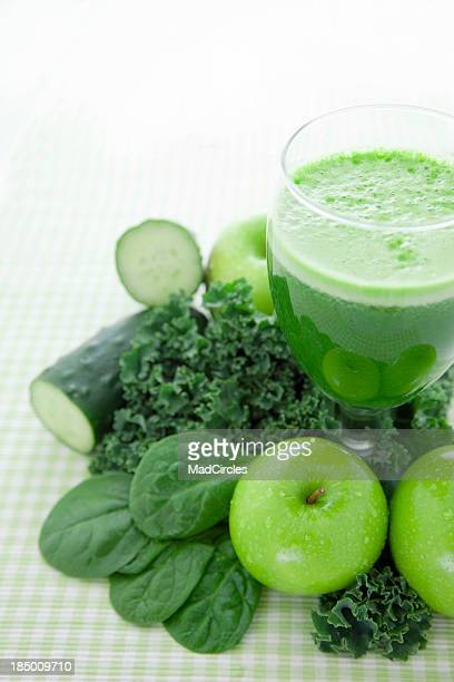 Freshly-squeezed green juice of healthy vegetables and fruit