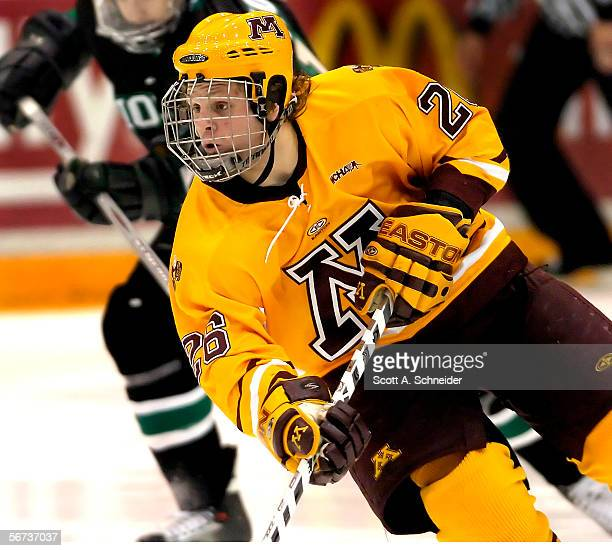Freshman Phil Kessel of the Minnesota Golden Gophers skates against the North Dakota Fighting Sioux on January 14, 2006 at Mariucci Arena in...