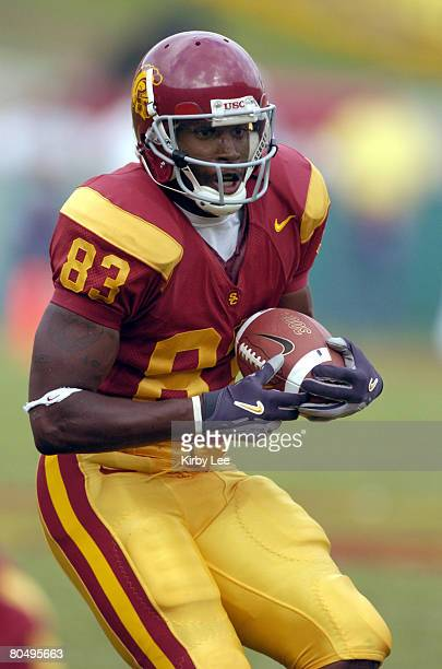 USC freshman tight end Fred Davis during 457 victory over Arizona State in Pacific10 Conference football game at the Los Angeles Memorial Coliseum on...