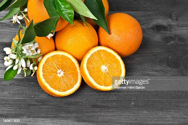 freshness orages and blossoms - citrus fruit stock pictures, royalty-free photos & images