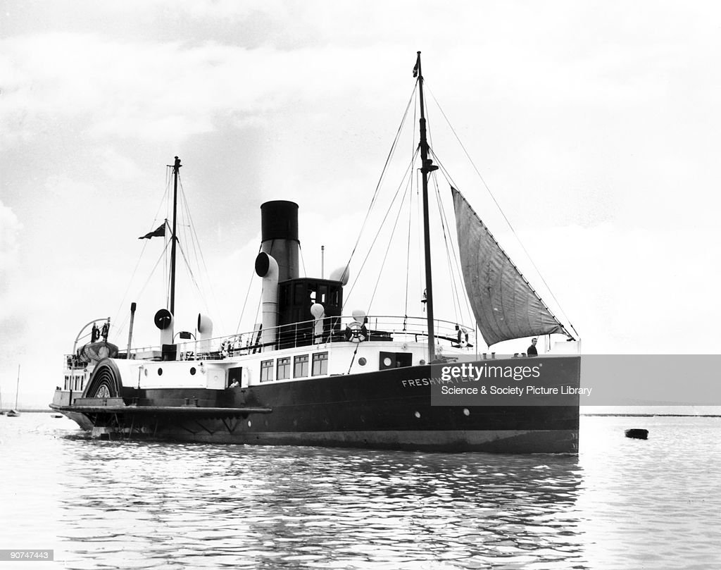 Freshwater, c 1927. Paddle steamer built : News Photo