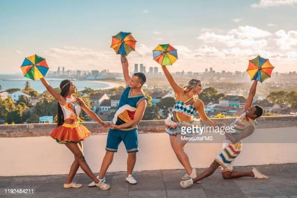 frevo dancers at alto de sé in olinda, pernambuco - frevo imagens e fotografias de stock