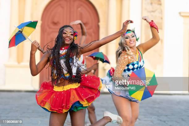 frevo dancers on street - frevo imagens e fotografias de stock