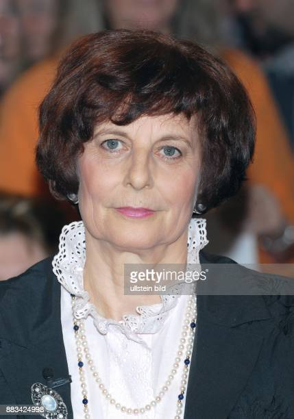 Freya Barschel Witwe des CDUPolitikers UweBarschel Gast in der NDR Talkshow