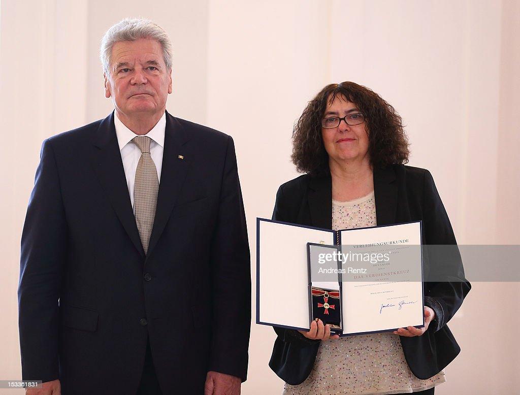 German Order Of Merit Awarded By President : News Photo