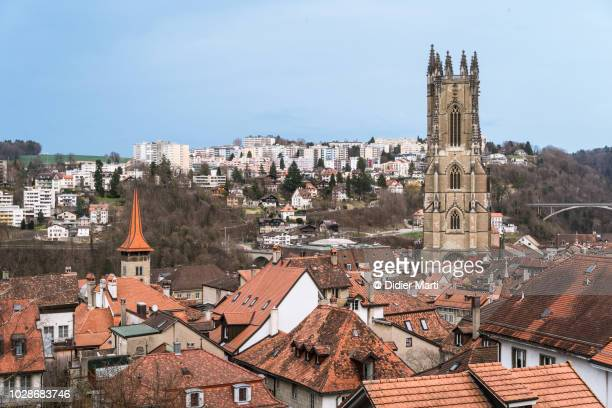 fribourg old town and cathedral in switzerland - st. nicholas cathedral stock pictures, royalty-free photos & images