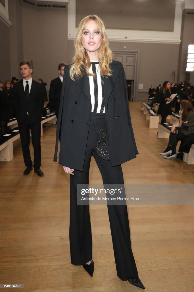 Nina Ricci : Front Row - Paris Fashion Week Womenswear Fall/Winter 2017/2018