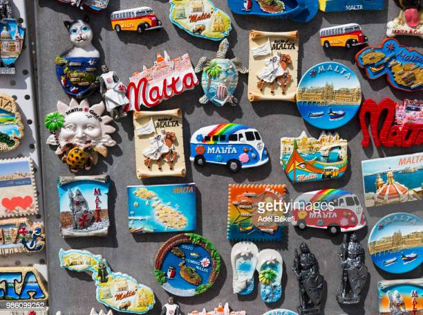 fridge magnets for sale (malta) - ricordi foto e immagini stock