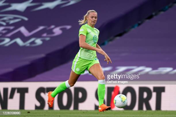 Fridolina Rolfo of VfL Wolfsburg controls the ball during the UEFA Women's Champions League Semi Final between VfL Wolfsburg and FC Barcelona at...