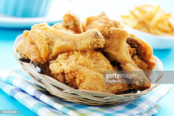 fried chicken - fried chicken stock pictures, royalty-free photos & images