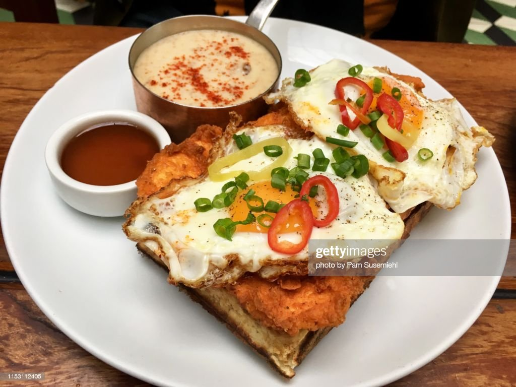 Fried Chicken & Waffles : Stock Photo