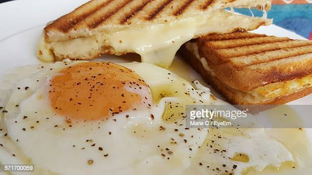 Fried Egg With Cheese Sandwich