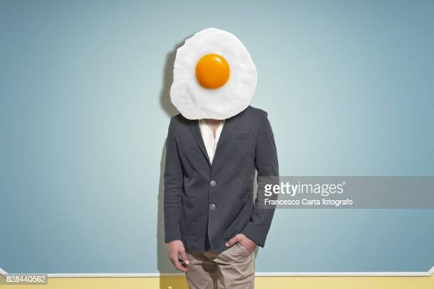 fried egghead - digital composite stock-fotos und bilder