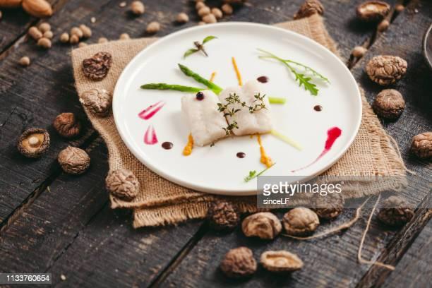 peixes fritados, peixes fritados chineses - bege - fotografias e filmes do acervo