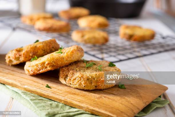 fried green tomatoes - fried stock pictures, royalty-free photos & images