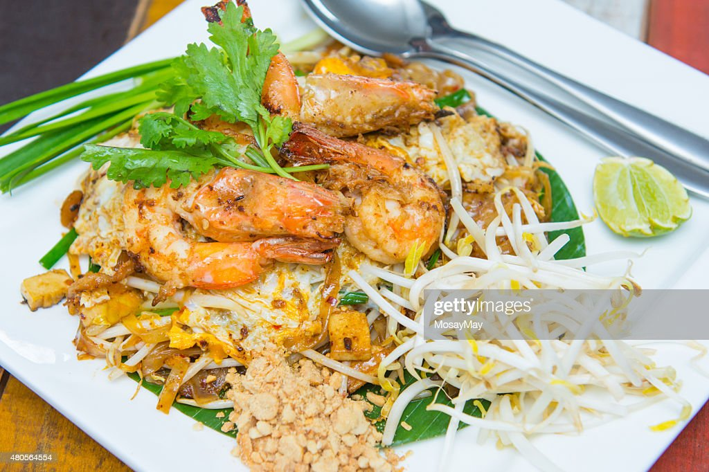 fried rice sticks with shrimp or pad thai goong sod : Stock Photo