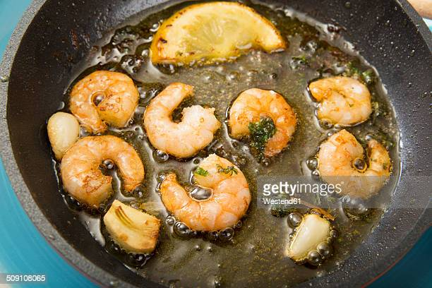 Fried shrimps in a pan