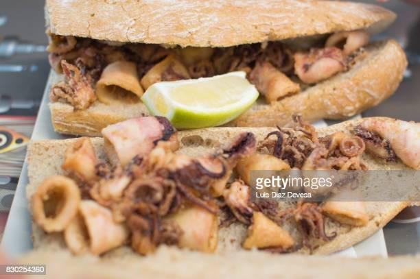 Fried squid sandwich with lemon