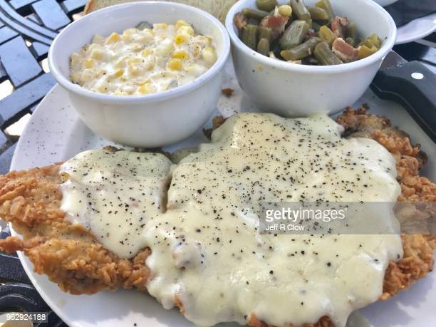 fried steak with corn and green beans - アメリカ南部 ストックフォトと画像