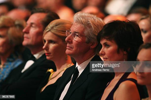 Friede Springer Mathias Doepfner Ulrike Doepfner Richard Gere wife Carey Lowell and Diane Kruger attend the Goldene Kamera 2010 Award at the Axel...