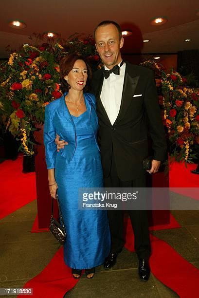 Friedrich Merz Und Seine Ehefrau Charlotte Bei Der 10 Festlichen Operngala Für Die Deutsche AidsStiftung In Der Deutschen Oper Berlin Am 081103