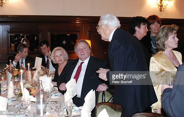 Friedrich Schoenfelder Klaus Sonnenschein Ehefrau Edith Hancke Party zum 80 Geburtstag von P e e r S c h m i d t Restaurant Moorlake Berlin Wannsee...