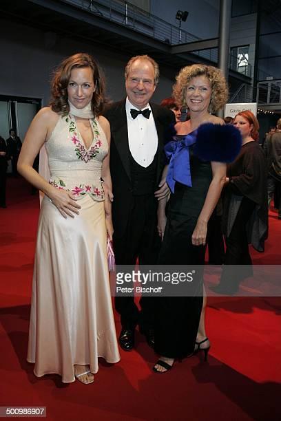 """Friedrich von Thun , Ehefrau Gaby Schniewind , Tochter Gioia , ZDF-Gala """"Deutscher Fernsehpreis"""" , Köln, , """"Coloneum"""", roter Teppich, P r e i s v e r..."""
