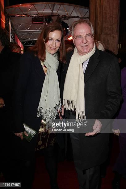 Friedrich Von Thun Mit Tochter Gioia Bei Der Ankunft Zur Verleihung Des Bayerischen Filmpreises Im Prinzregententheater In München