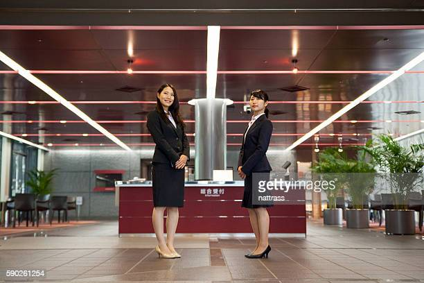 friendly welcoming for my business travels at hotel - コンシェルジュ ストックフォトと画像