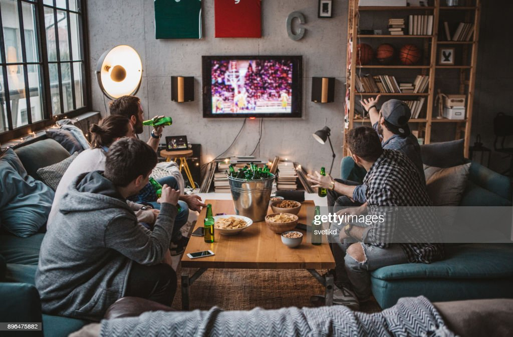 Friends are having great weekend : Stock Photo