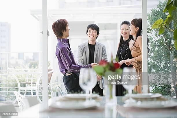 ご友人とご一緒にディナーパーティ