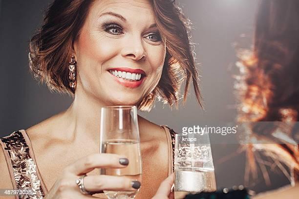 ご友人とのお祝いのシャンペンと語らいのひととき