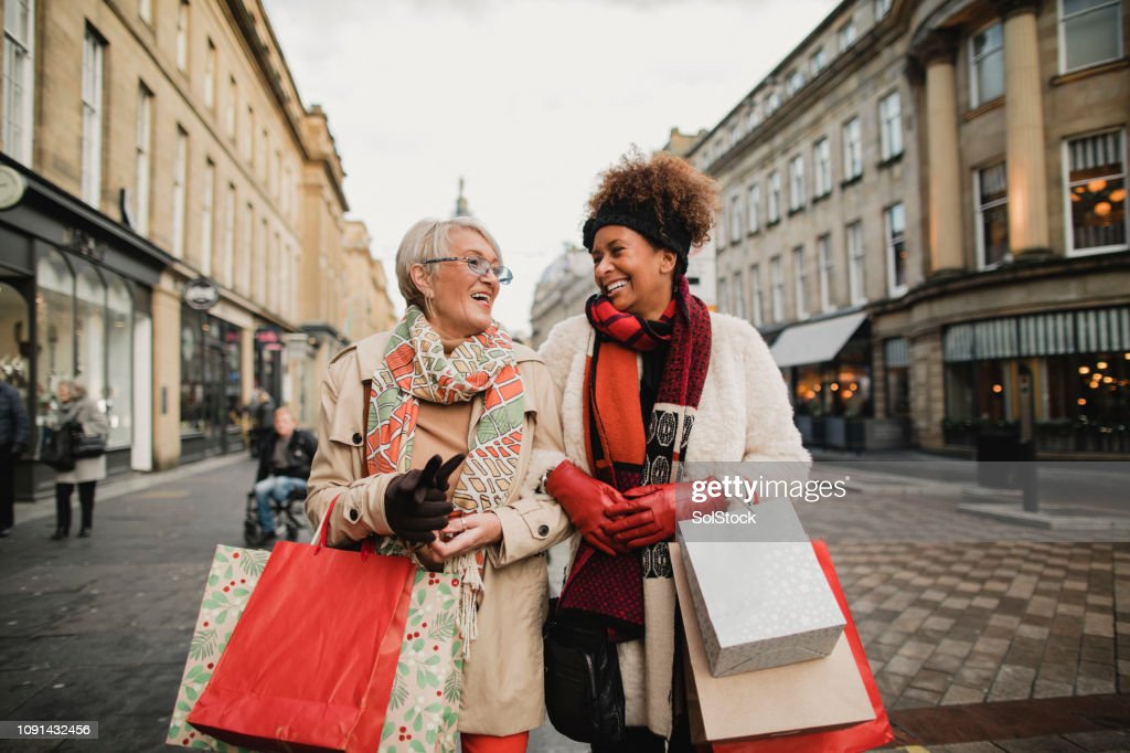 Friends Christmas Shopping : Stock Photo