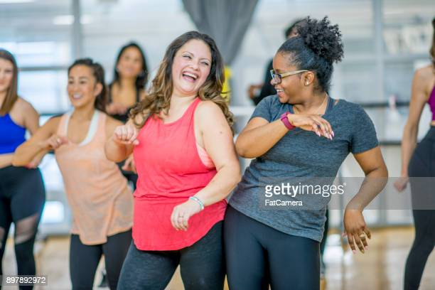 friends dancing together - gym stock pictures, royalty-free photos & images