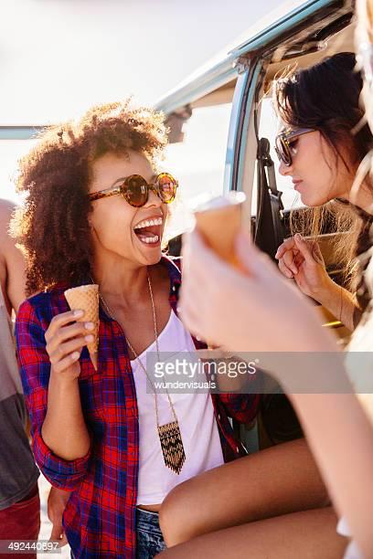 Freunde Essen Eis