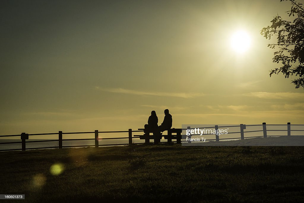 CONTENT] 2 friends enjoying the sunset at Abalone cove in Palos Verdes California.