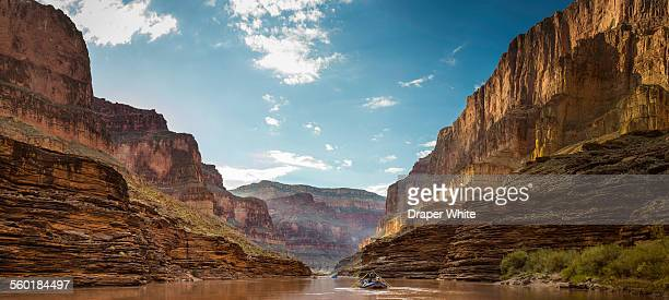 friends floating past blacktail canyon - grand canyon stock-fotos und bilder