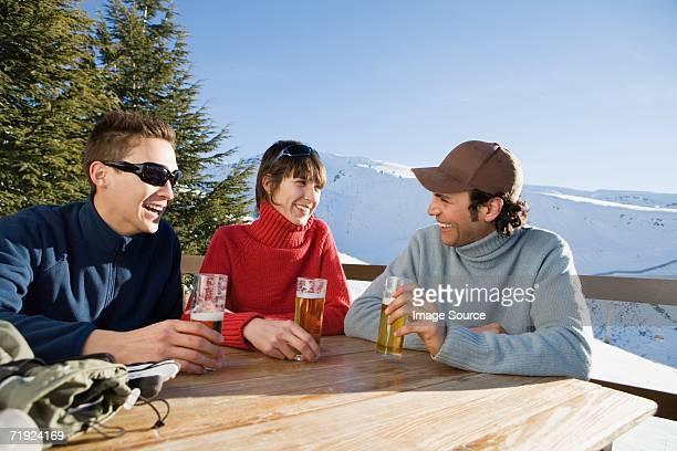 Ein drink mit Freunden