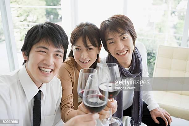 ご友人とご一緒にワインが