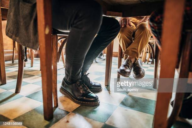friends in coffee shop - dwarf man stock pictures, royalty-free photos & images