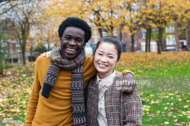 friends in park - 30 34 years stock pictures, royalty-free photos & images