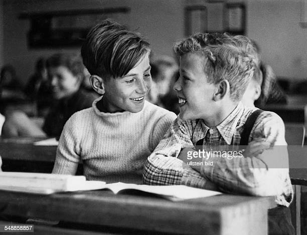 friends in school 1950s