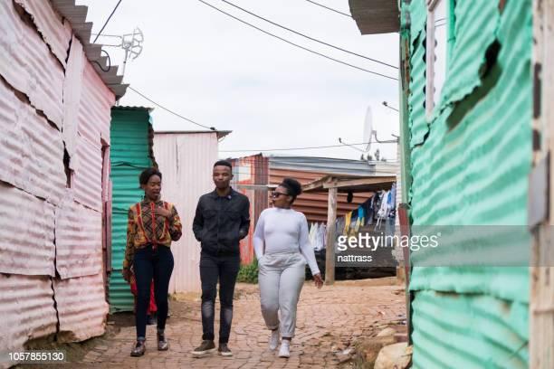 amigos no município - pobreza questão social - fotografias e filmes do acervo