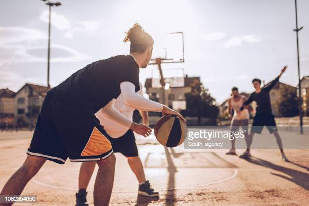 friends love streetball - passing sport stock pictures, royalty-free photos & images