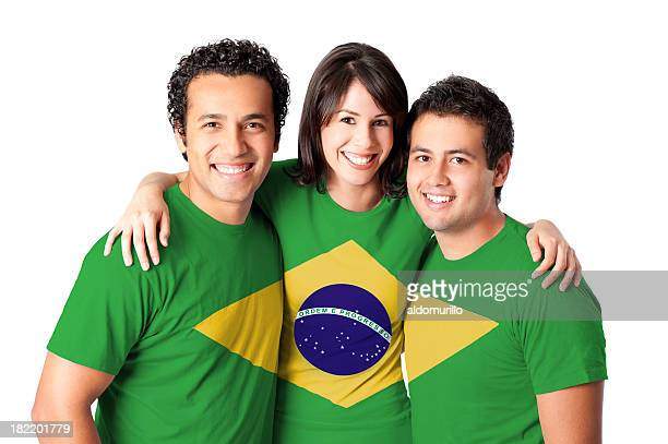 amigos fazendo uma bandeira brasileira - patriotismo - fotografias e filmes do acervo