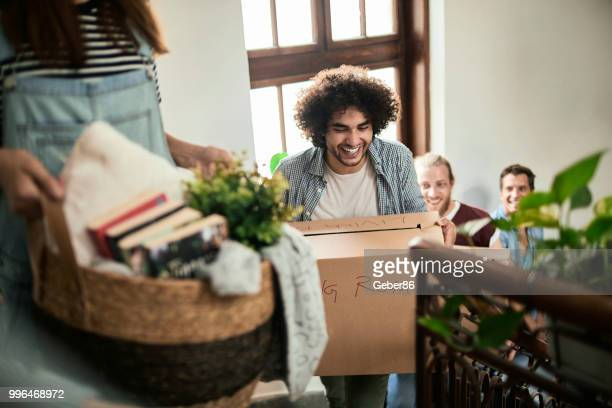 friends moving - moving stock pictures, royalty-free photos & images