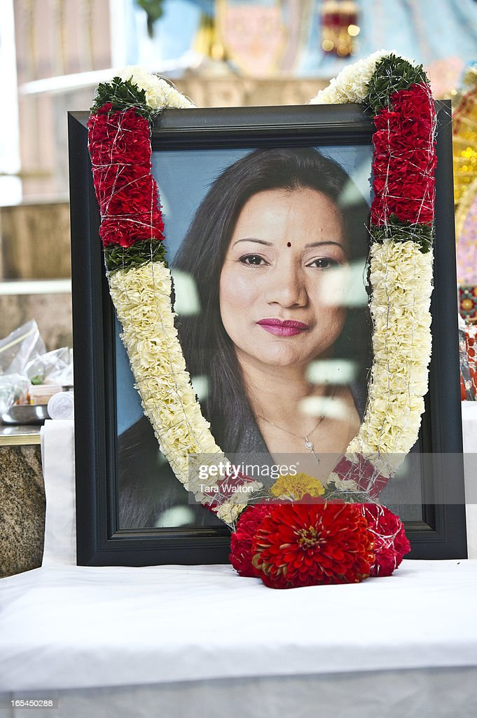 Friends of 33 year old Shriya Shah-Klorfine, hold a memorial Sunday July 8, 2012 at Malvern Methodis : News Photo